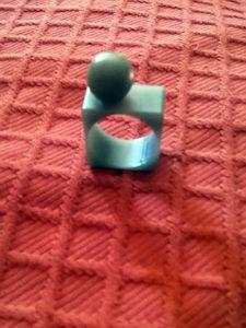anello-resina-grigio-sfera-piccola_sito